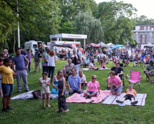 A packed lawn at River Island Art Park