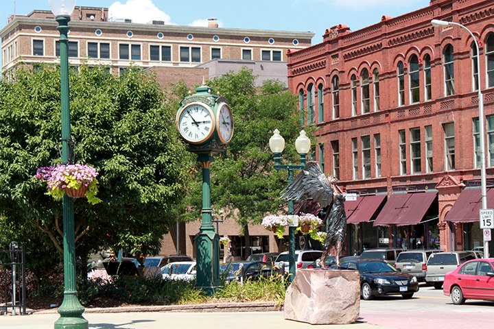 DowntownSiouxFalls.PhillipsAve.CVB
