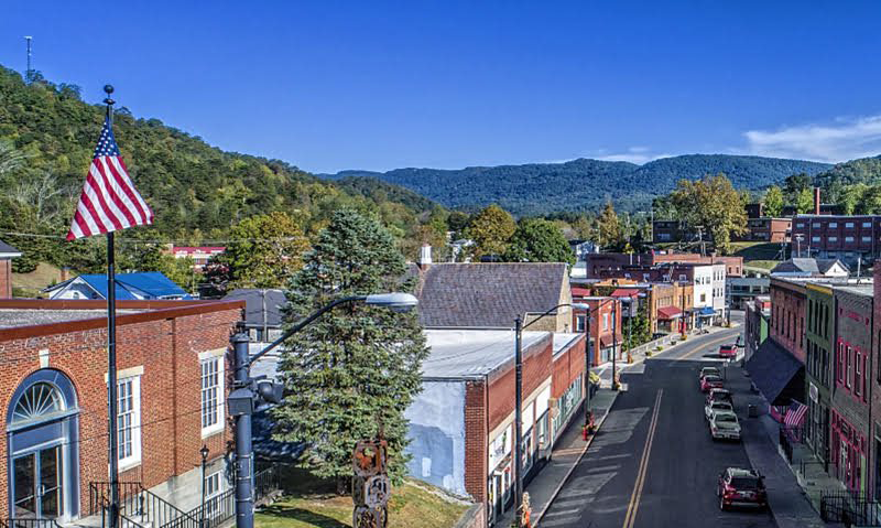 The mountain view from downtown Whitesburg